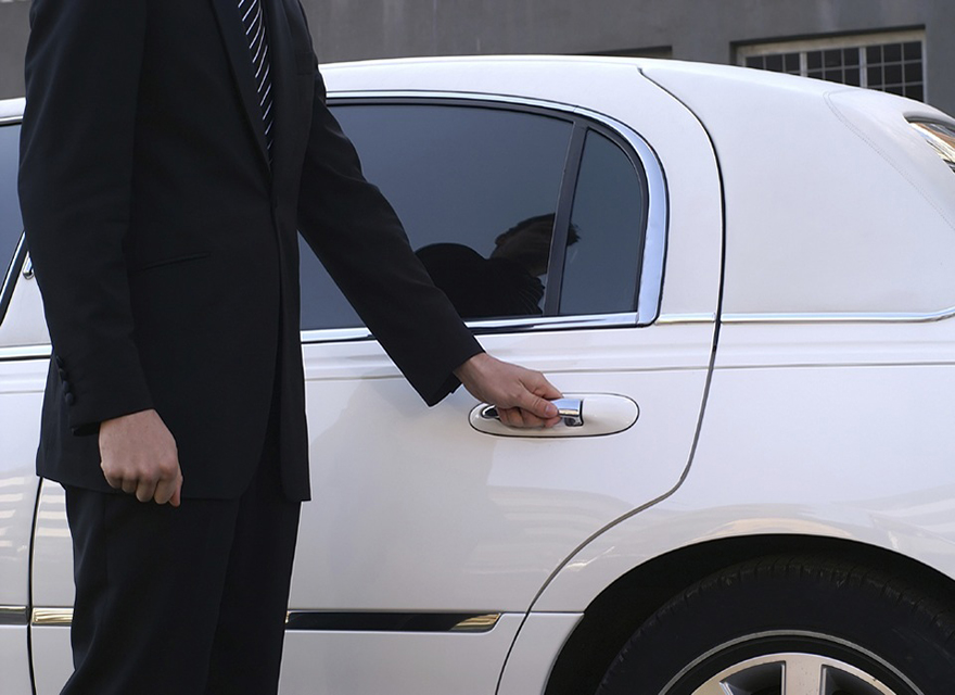 LUXURY CHAUFFEUR-DRIVEN CAR SERVICE